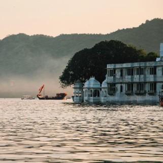 Jour 13 : Udaipur, City Palace, vieille ville et repos au bord du lac 🌅🇮🇳