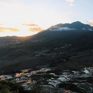 Jour 41 : 🚌➡️ Yuanyang & Jour 42 : lever de soleil sur les rizières en terrasse et le «mushroom village» 🌄🍚
