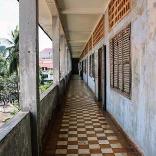 Jour 82 : 🚌 Siem Reap ➡️ Phnom Penh & Jour 83 : Killing fields et la prison S-21