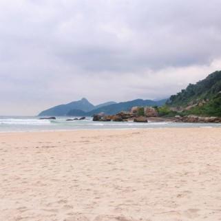 Jour 326 : 5h30 de rando et les jolies plages de Palmas, Pouso et Lopes Mendes 🌊